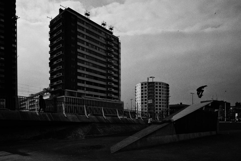 Aron Buzas, kickflip into bank, Rotterdam