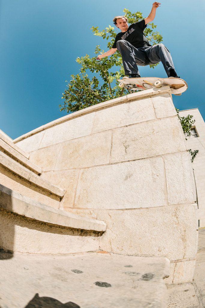 Nick Jensen, backside nosegrind revert, Nablus.