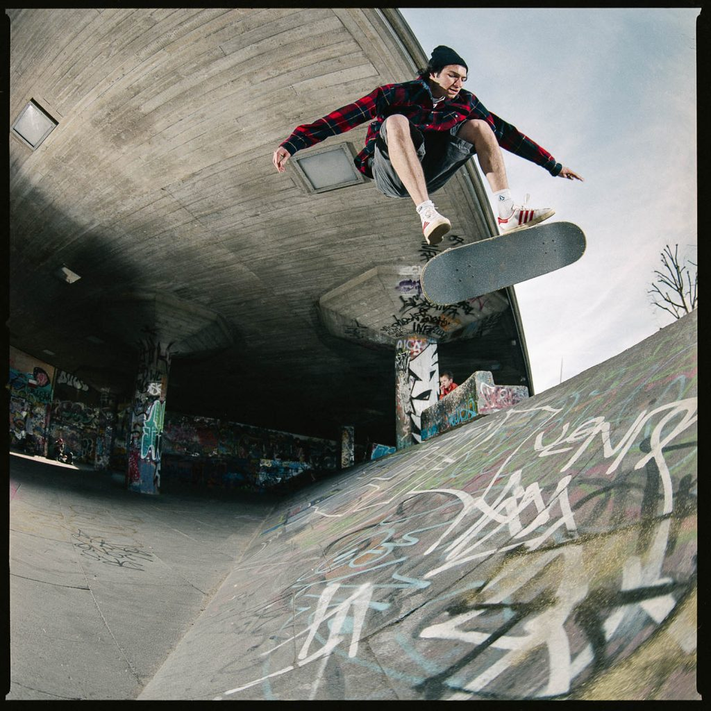 Lev Tanju, nollie flip to fakie, Southbank, London, 2007. Ph. Sam Ashley