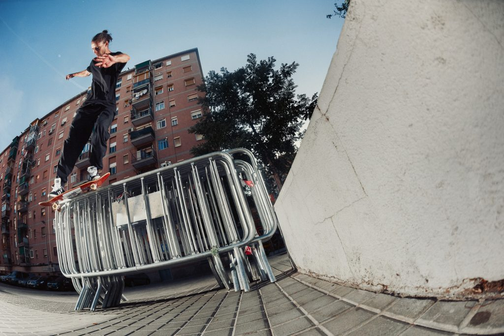 Switch backside smith grind, Barcelona. Ph. Sem Rubio