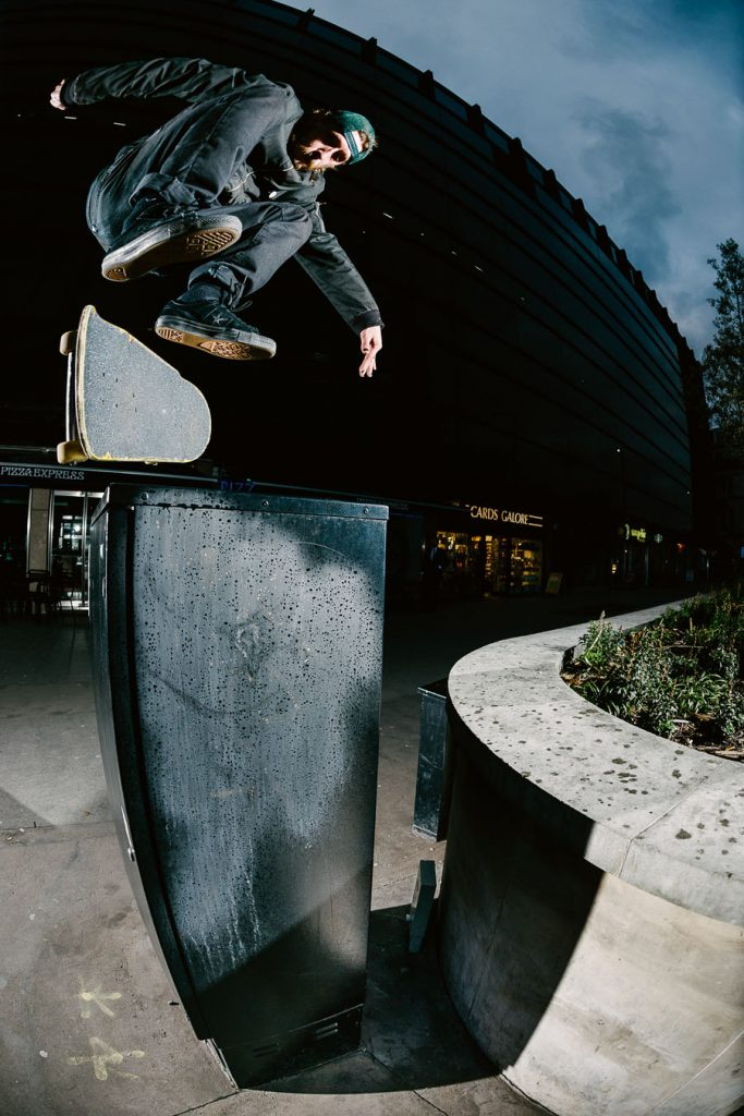 Backside 180 kickflip London Ph. Sam Ashley