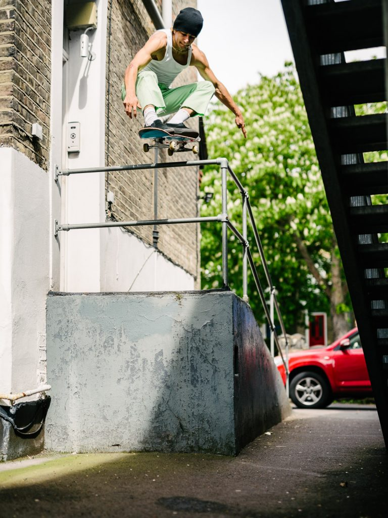 Sam Sitayeb, ollie, London. Ph. Sam Ashley