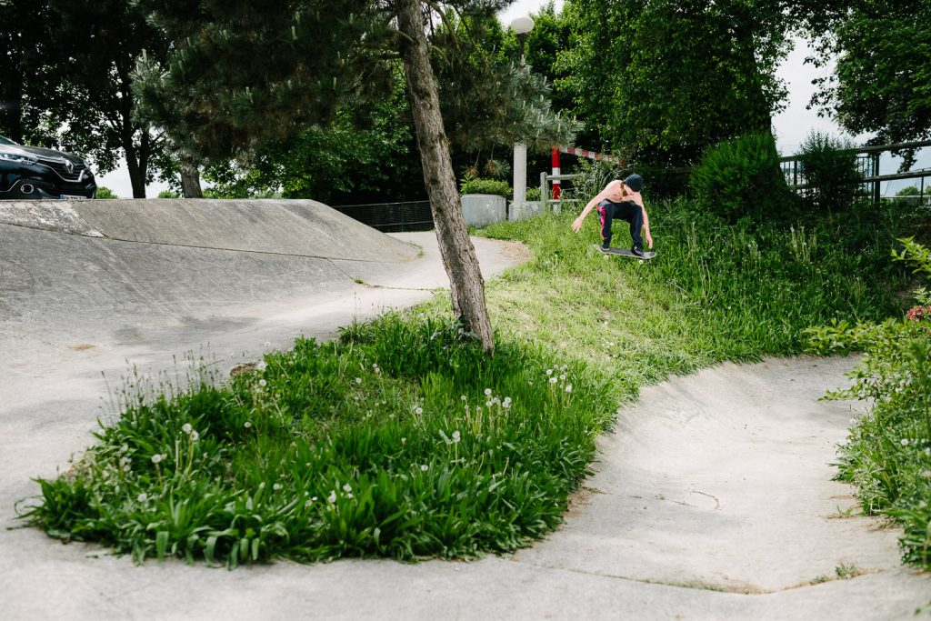 Charlie Birch, ollie, Paris. Ph: Sam Ahley.