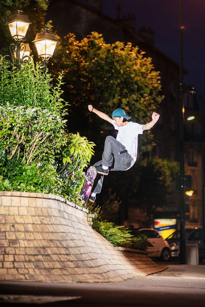Julian Kimura, front blunt, Paris. Ph: Alex Pires.