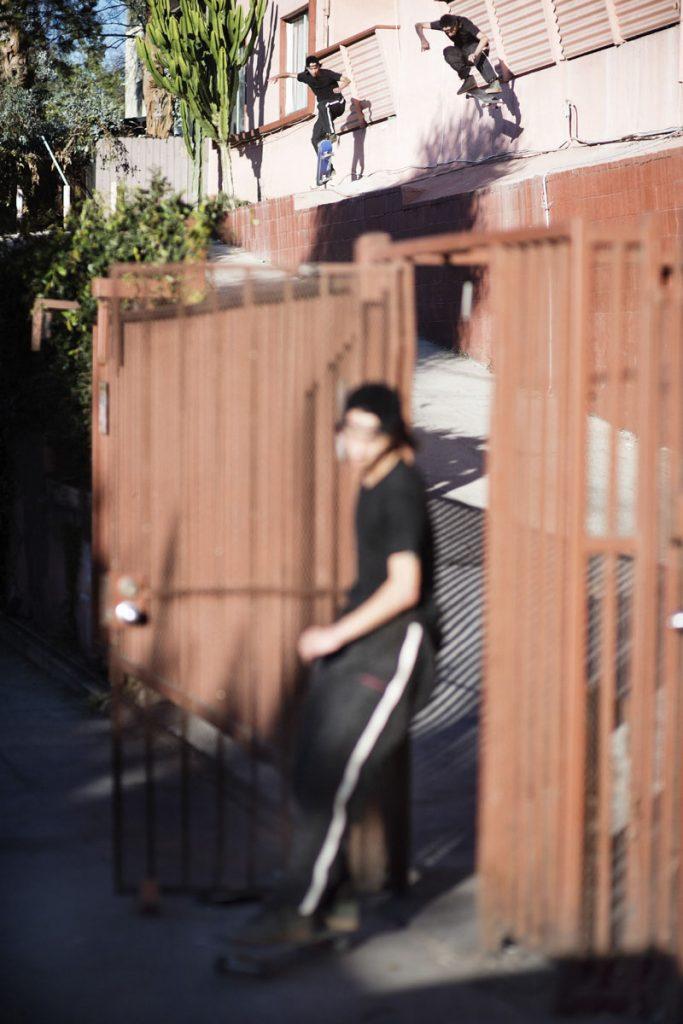 Julian Kimura, kickflip, LA. Ph: Pires.