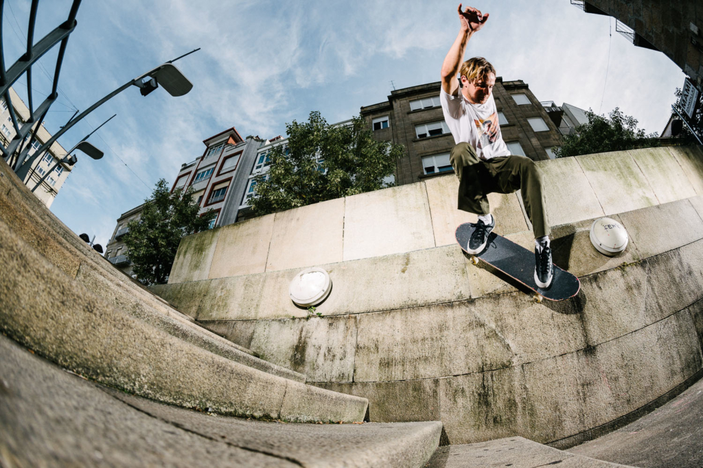 Ollie Lock, 50-50 to ride down the wall