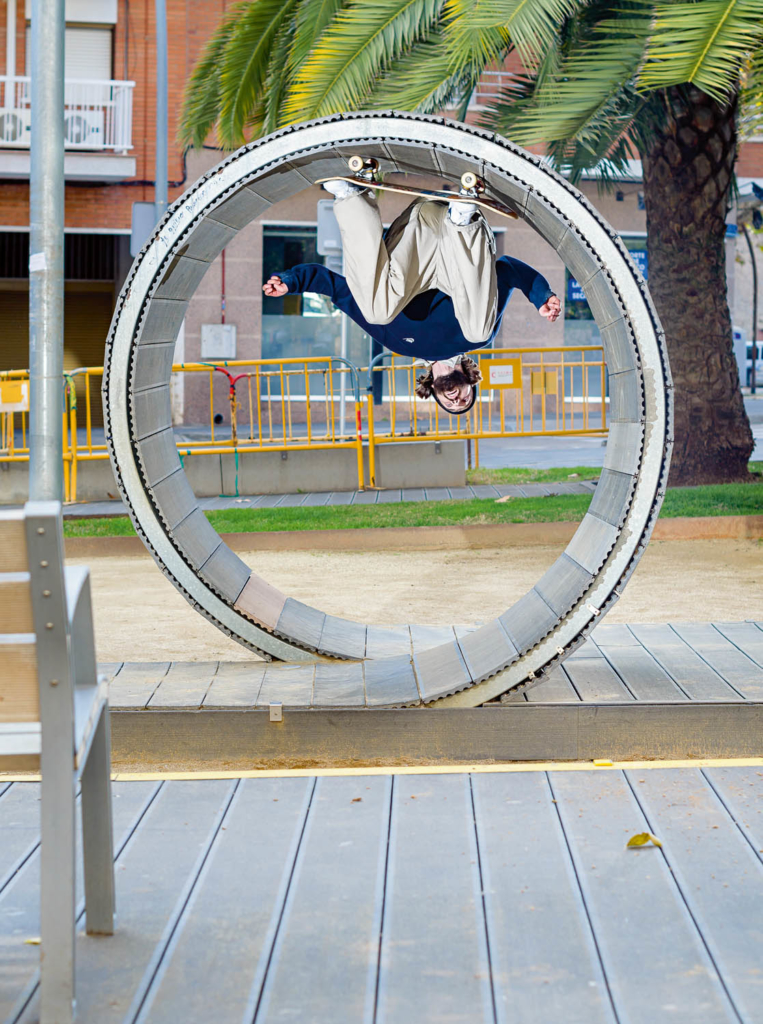 Simon Isaksson, street loop, Barcelona. Ph. Gerard Riera