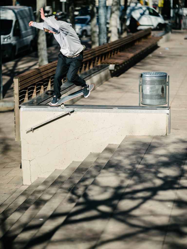 Nisse Ingemarsson. backside nosegrind pop-out, Barcelona. Ph. Sam Ashley