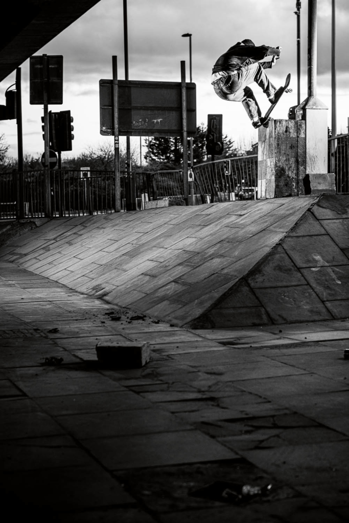 Conor Charleson, frontside blunt, London. Ph. Rich West
